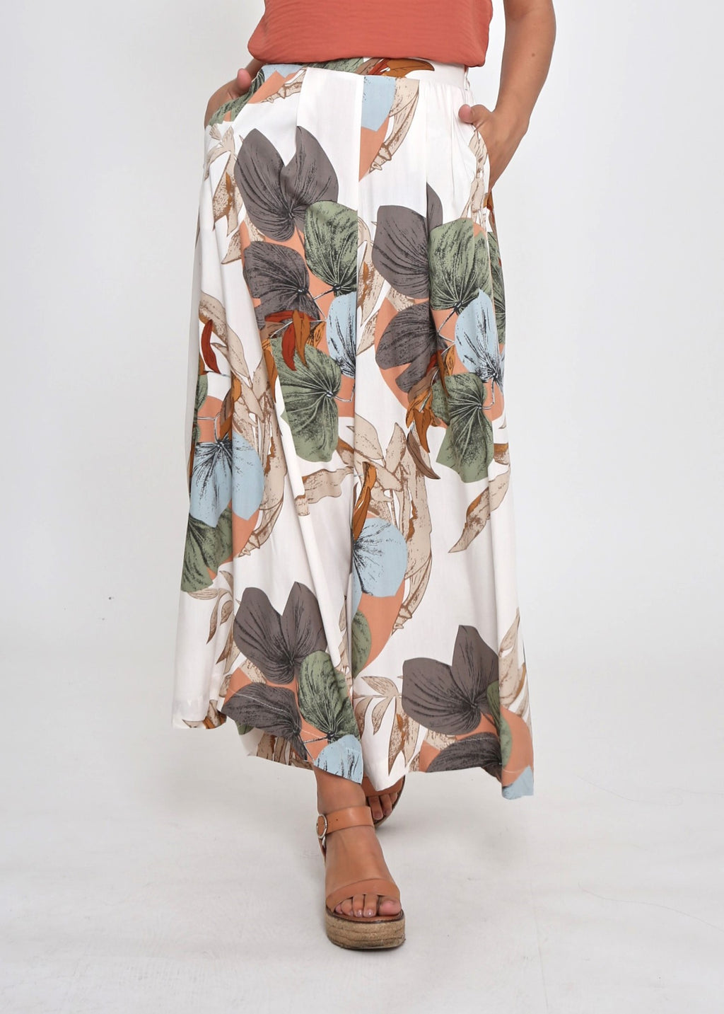 TAMARA CULLOTES - WHITE FLORAL - LAST STOCK