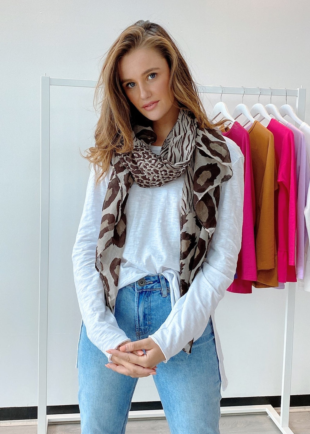 MIXED ANIMAL SCARF - BROWN