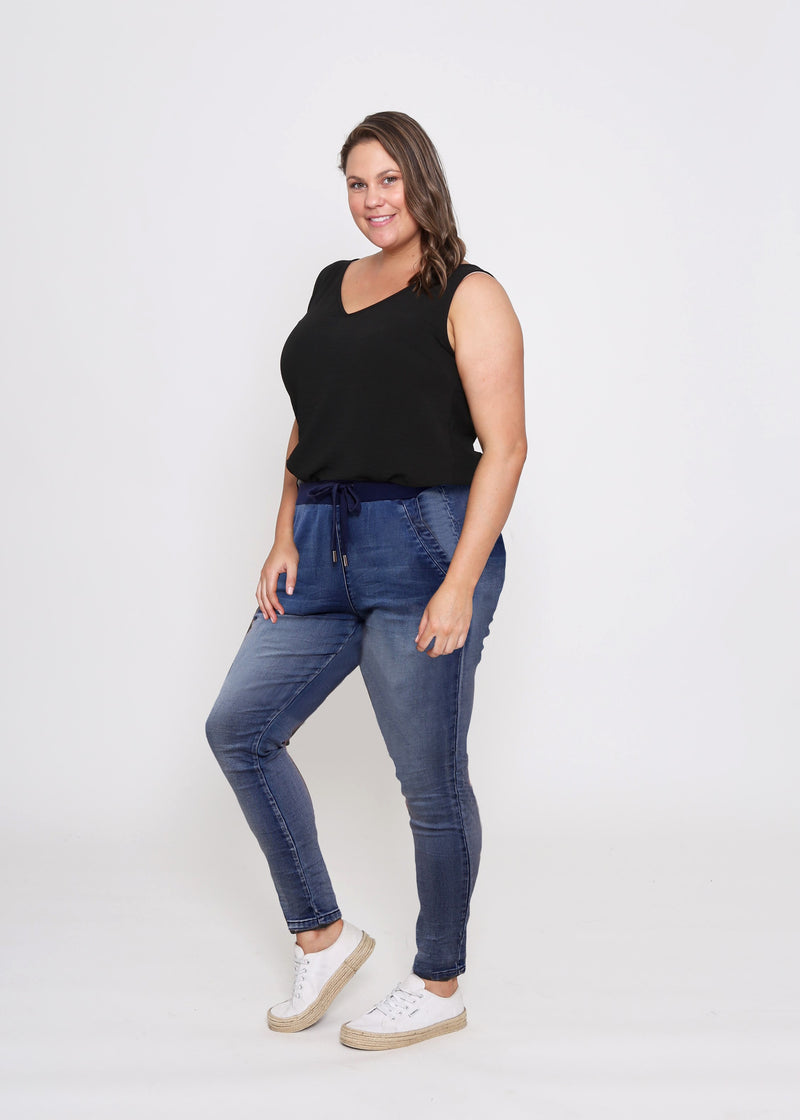 RILEY CURVES DENIM JOGGER - BLUE