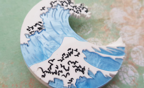 Kimchi and Coconut - The Great Wave Brooch Blue marble edition (Exclusive collaboration)