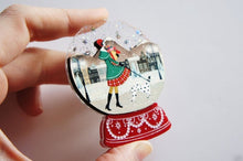 LaliBlue - Snow Globe Brooch – Chrismas Shopping