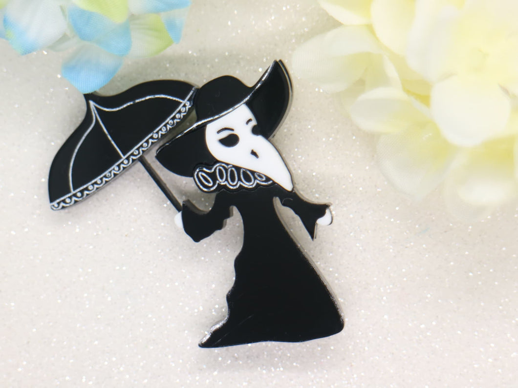 Wintersheart - Elegant female plague doctor - Brooch