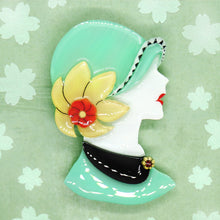 Vera Chan - Lady Portrait Brooch (Green)