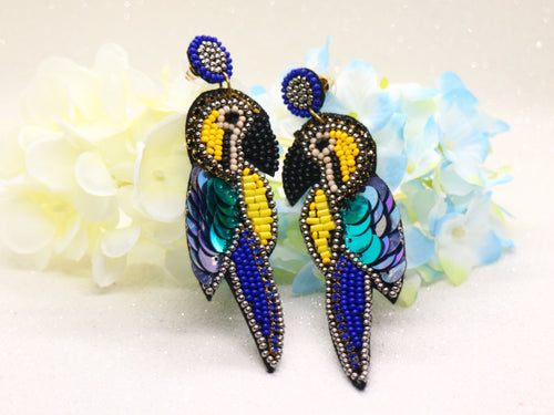 Beaded bird earring - Blue parrot