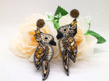 Beaded bird earring - Golden parrot