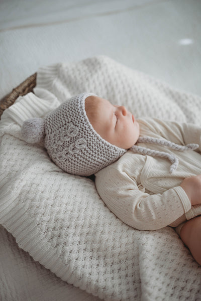 Snuggle Hunny - Merino Bonnet & Booties (Grey)