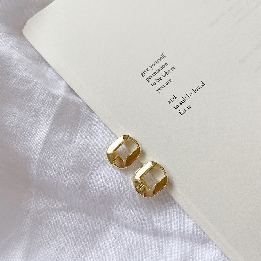 The Puffed Square Huggie earring