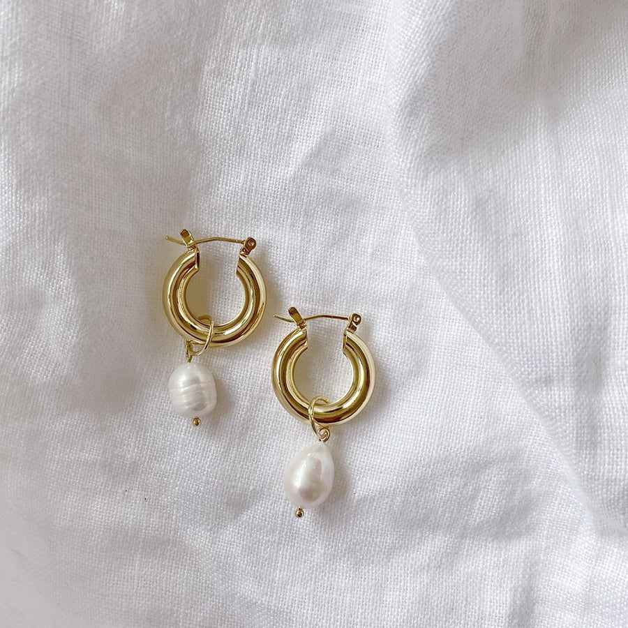 The Pearl Exaggerated Hoop earring