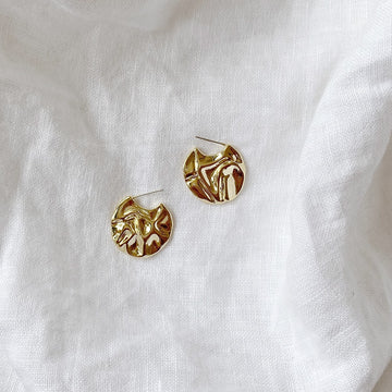 The Rippled Disc earring