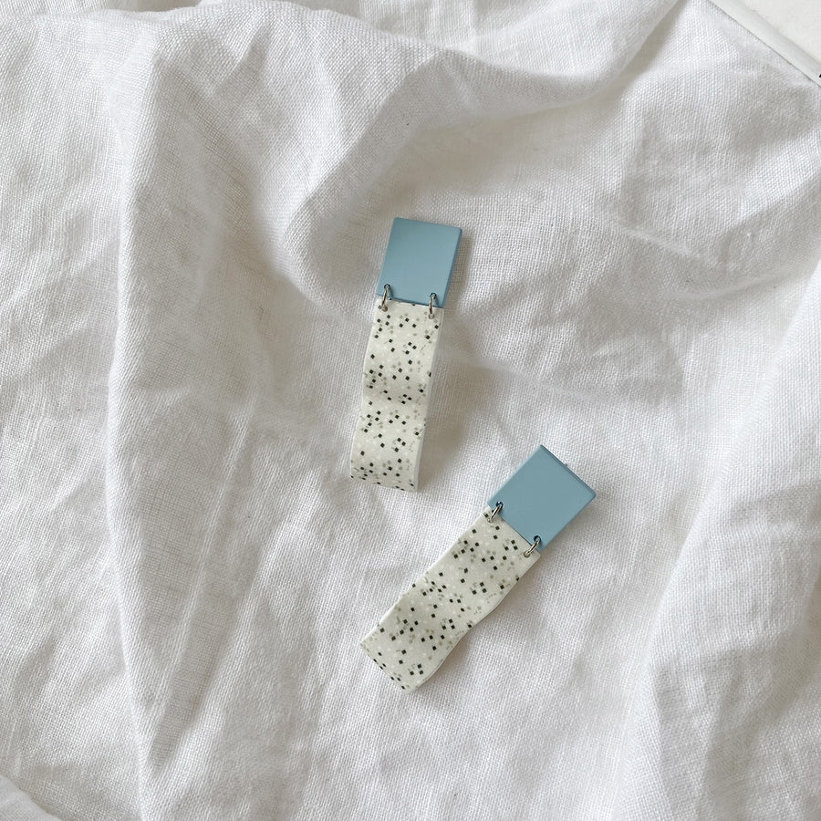 The Speckled Wave earring