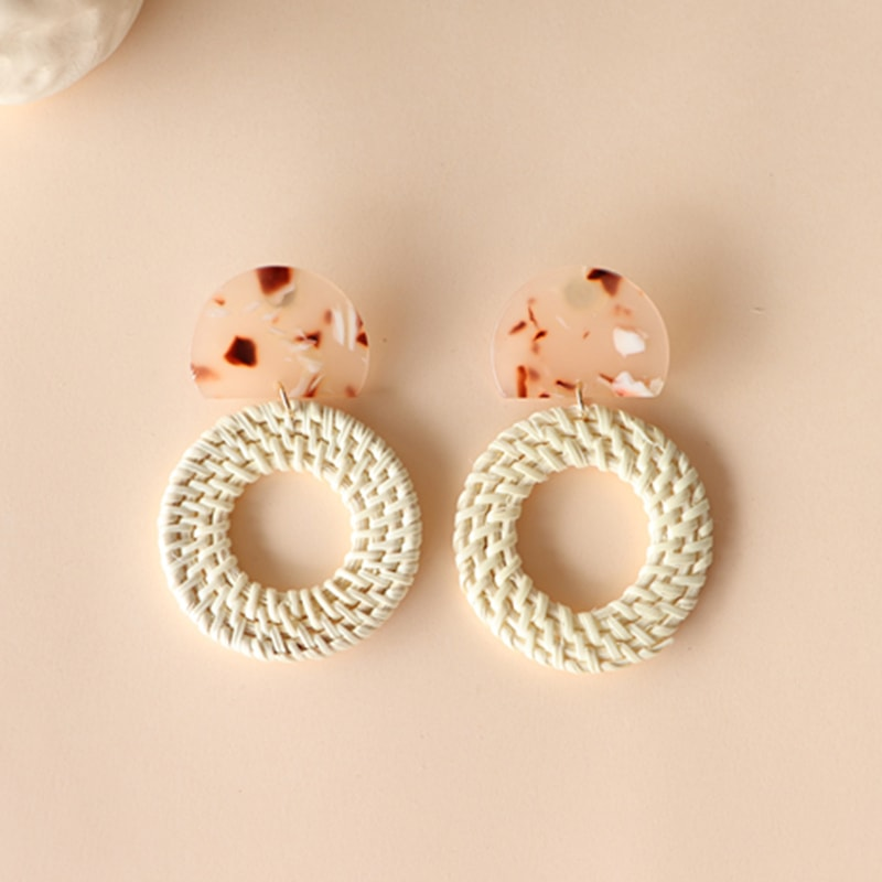The Lychee Ripple earring