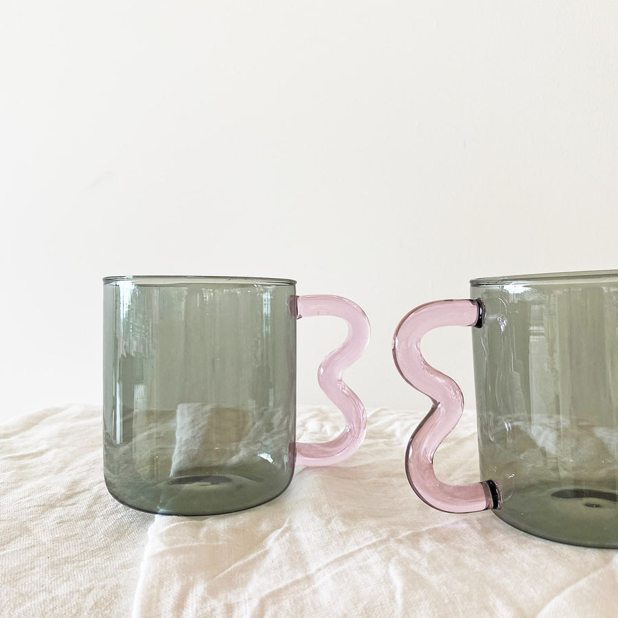 The Smoke Pink Soremo Glass Mug