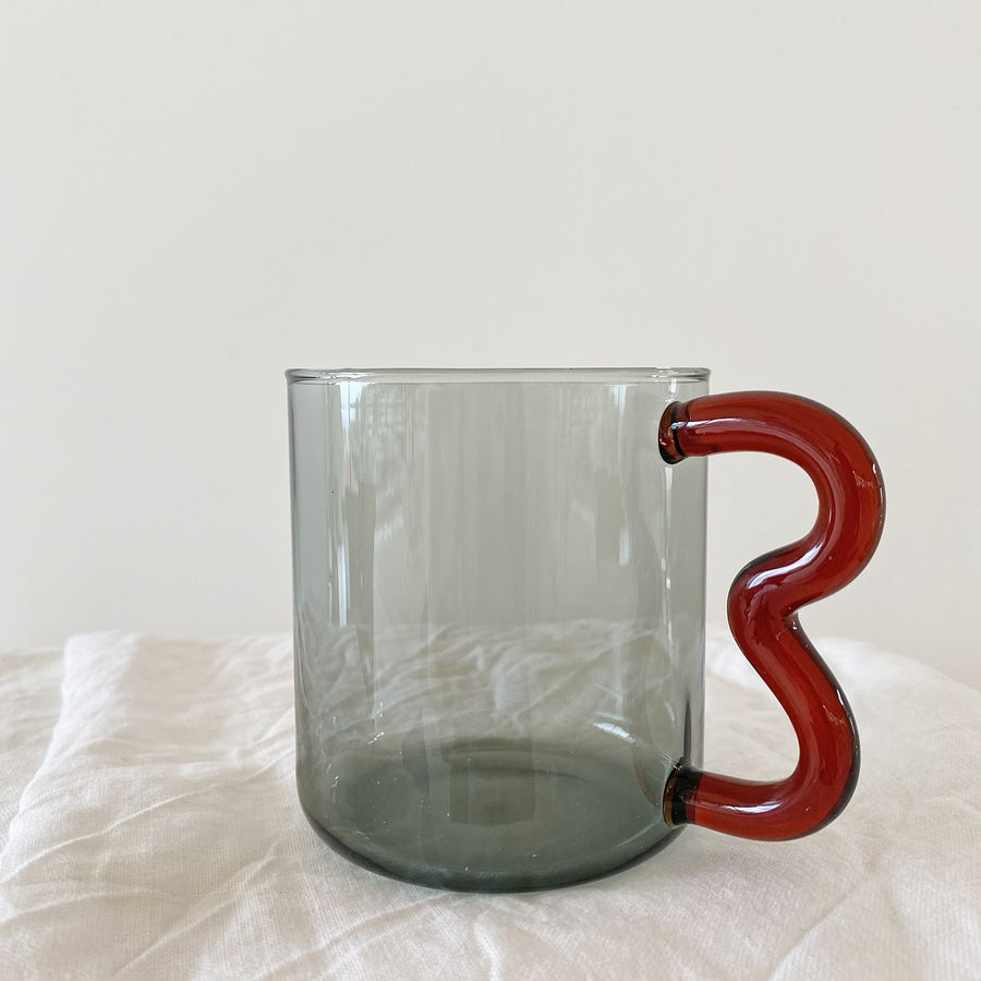 The Smoke Cherry Soremo Glass Mug