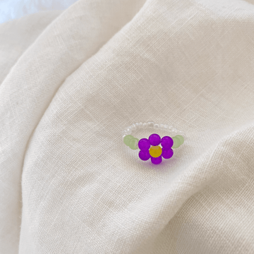 The Violet Daisy ring