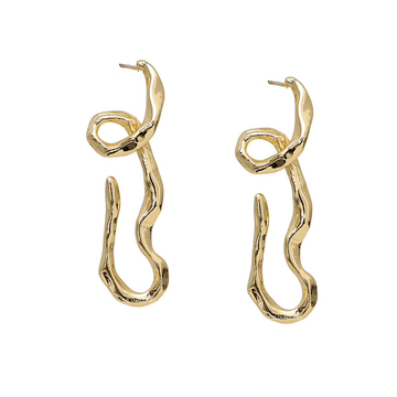 The Squiggle earring