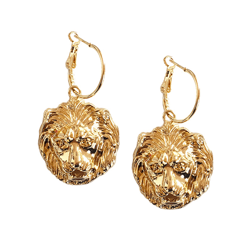 The Leo Pendant earring