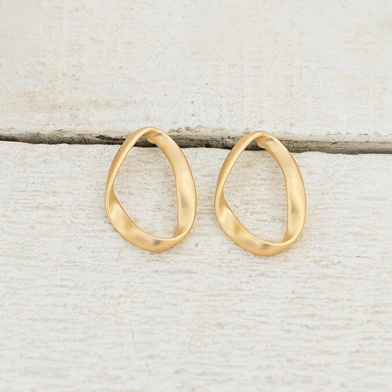 The Oval Ribbon earring