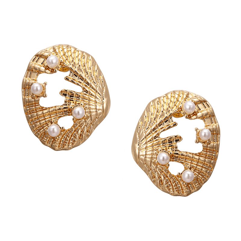 The Montauk earring