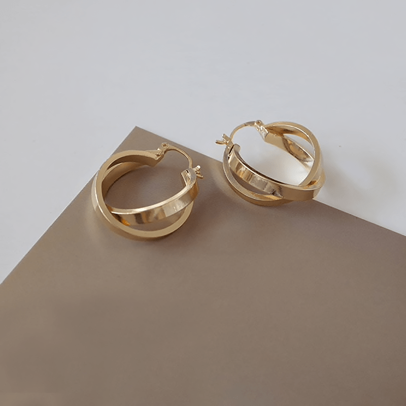 The Linked Gold Hoop earring