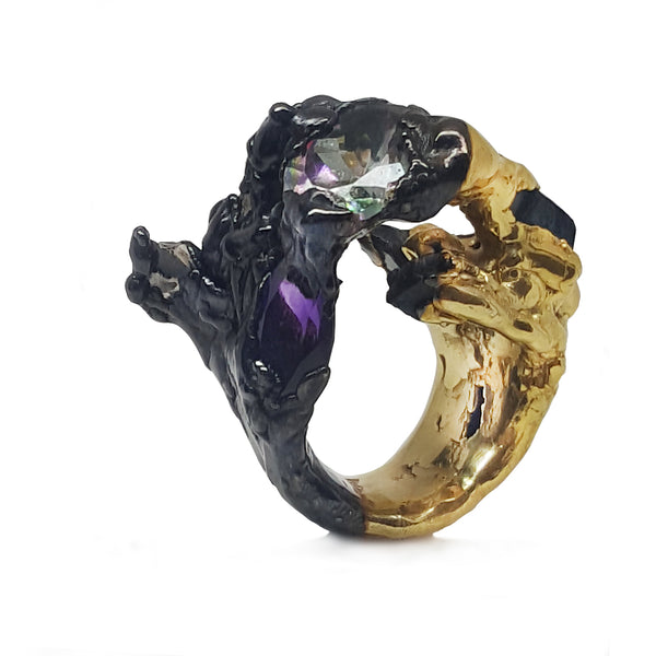 Black and Gold Solitaire Et ses Marquises Wedding Ring