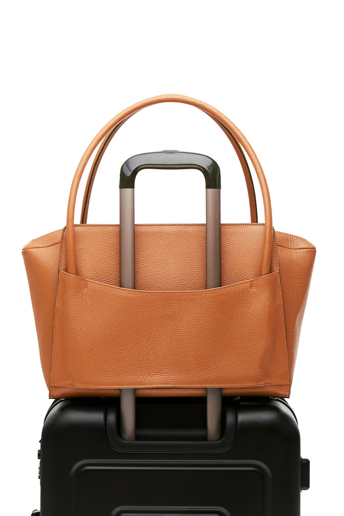 Sleek and functional workbag / business bag - VERDEN STUDIOS - The Moskenes in desert brown