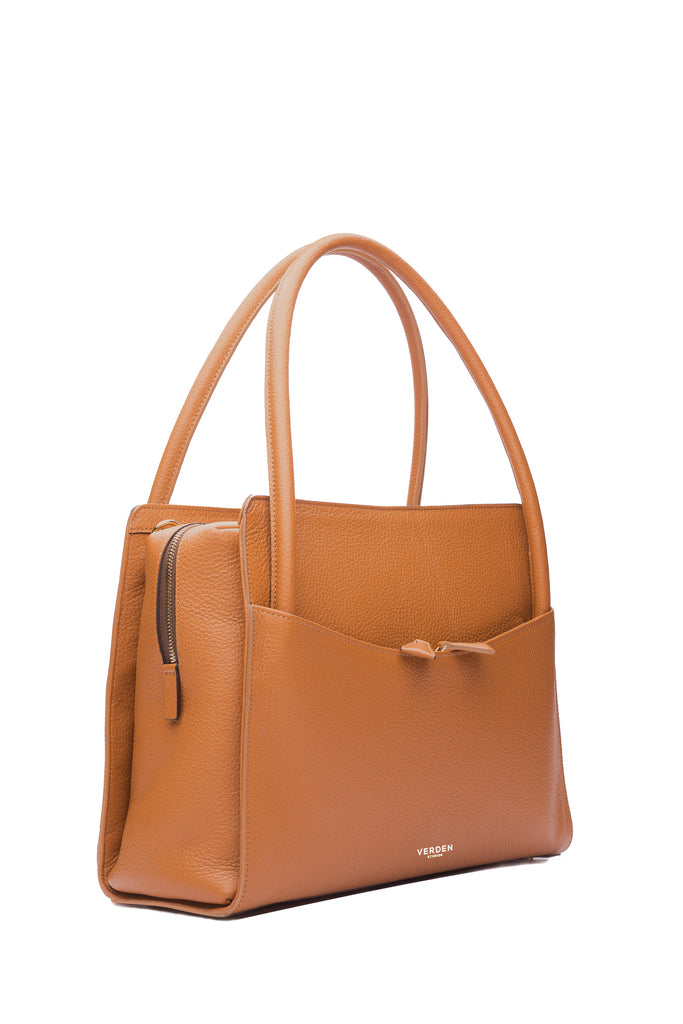Sleek and functional workbag / business bag - VERDEN STUDIOS - The Skye in desert brownSleek and functional workbag / business bag - VERDEN STUDIOS - The Skye in desert brown