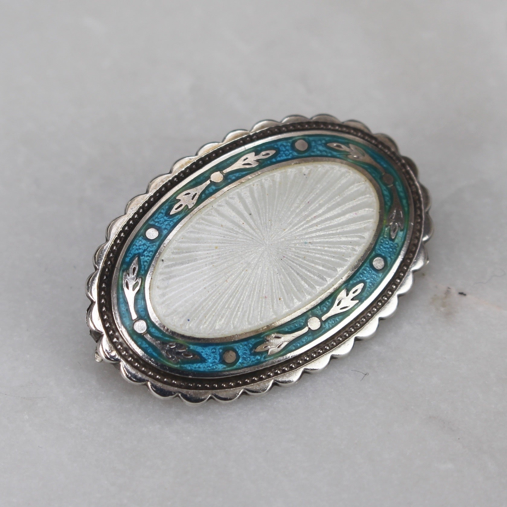 Antique Enamel and Sterling Silver brooch (1918-1919)
