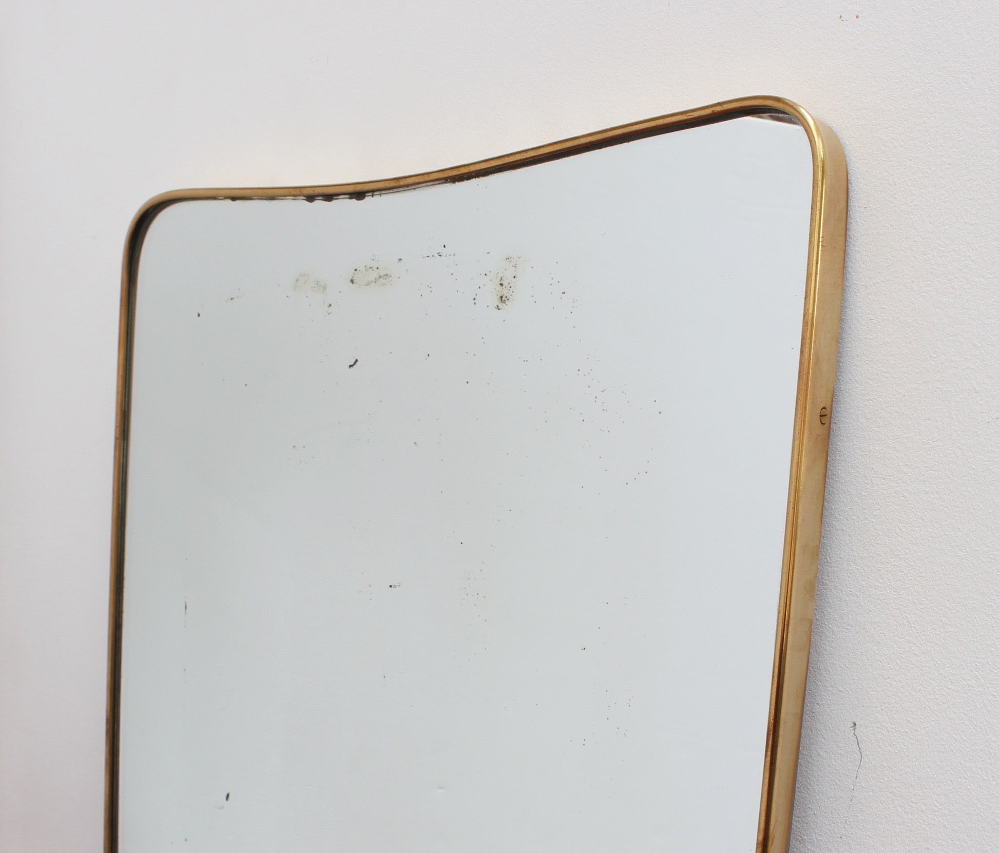 Mid-Century Italian Wall Mirror with Brass Frame by Gio Ponti for Fontana Arte (circa 1950s)
