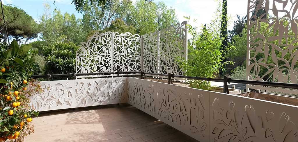 laser cut aluminum panels with a Schefflera design, enriched by high luminosity LED backlighting