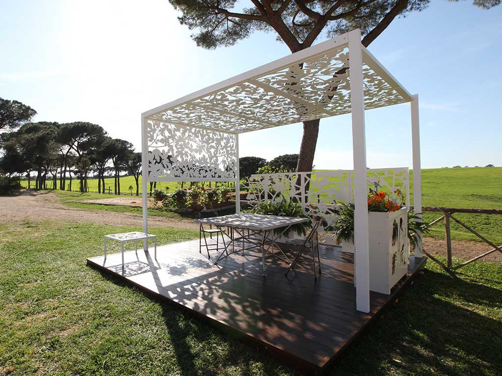 Garden sun shade logical space design for Sun shade structure