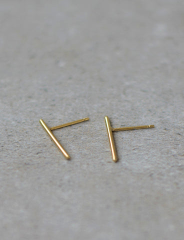 Minimalist line earrings