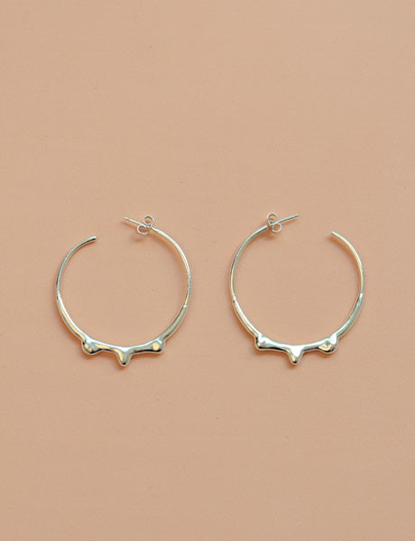 Crown hoop earrings
