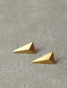 Geometric triangle earrings by studio baladi