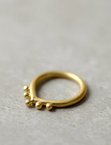 Hindi Ring by studio baladi