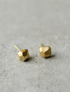 Rock studs faceted earrings by studio baladi