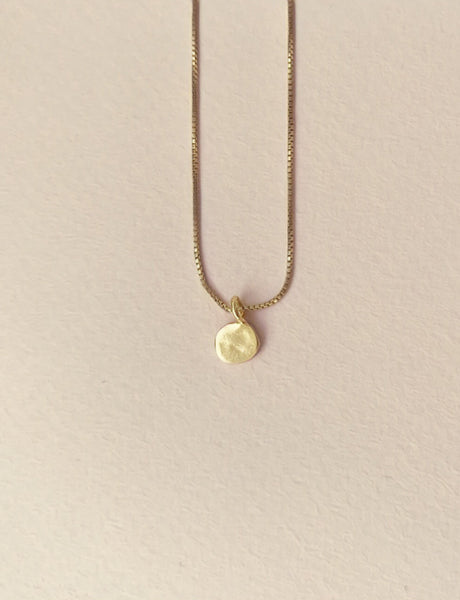 Single dot necklace