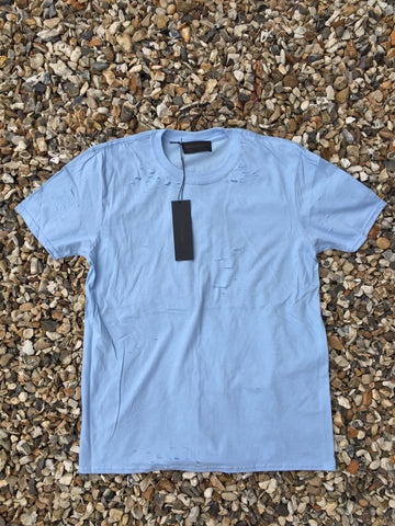 DISTRESSED TEE - LIGHT BLUE