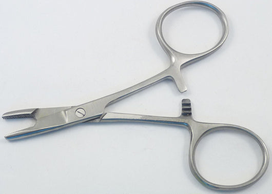 4 inch hemostat with scissors