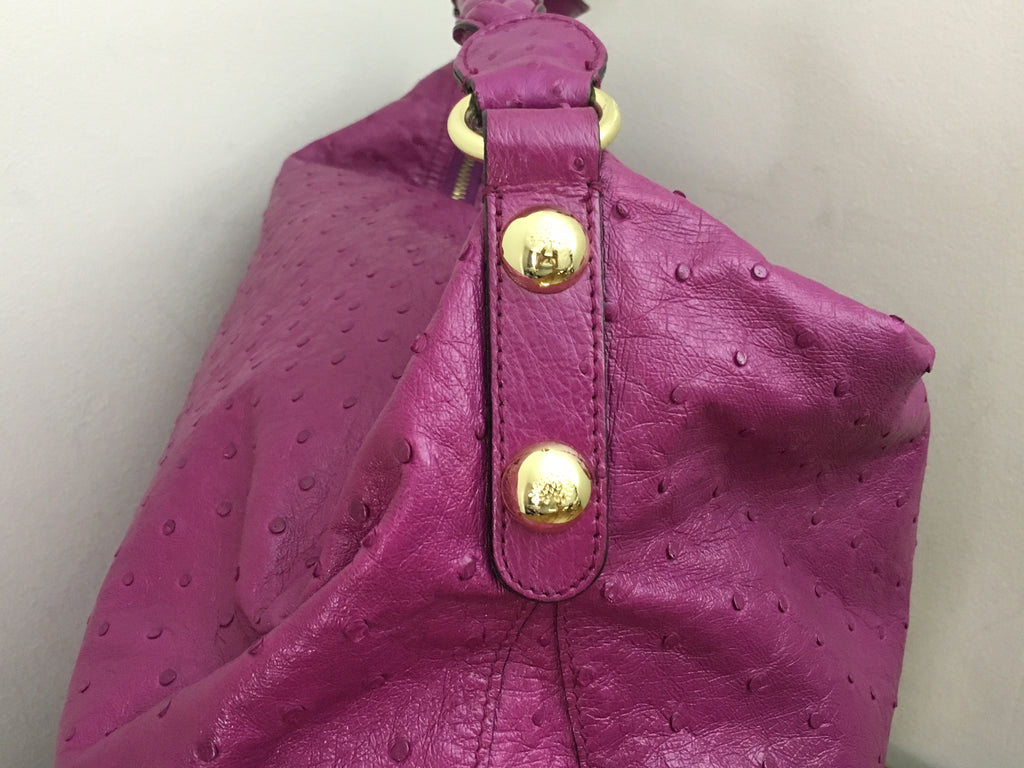 4f59ba06f4 ... Mulberry Large Daria Hobo in Cerise Glossy Ostrich with Gold Hardware  ...