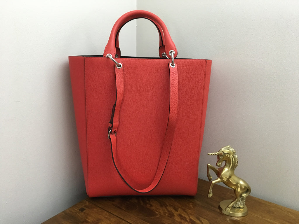 ... Mulberry Large Maple Tote in Fiery Red Small Classic Grain Leather ... 776066f668862