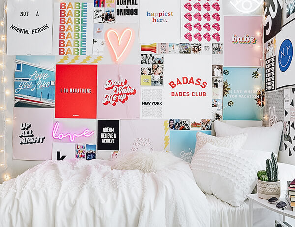 Dorm room themes dorm sets dorm themes dormify - Things to put on a wall ...