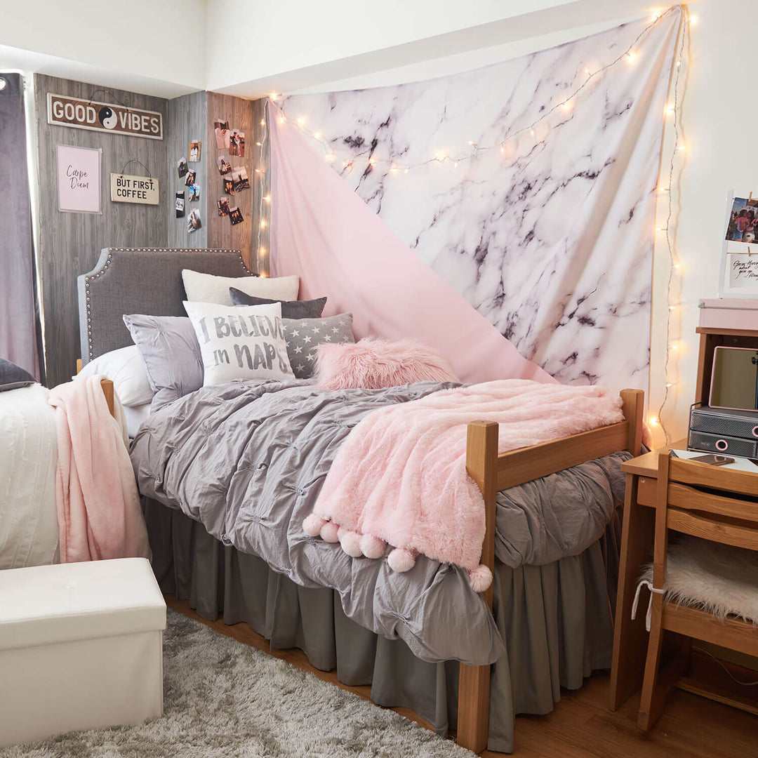 8 Homey Bedroom Ideas That Will Match Your Style: Long String Light Set