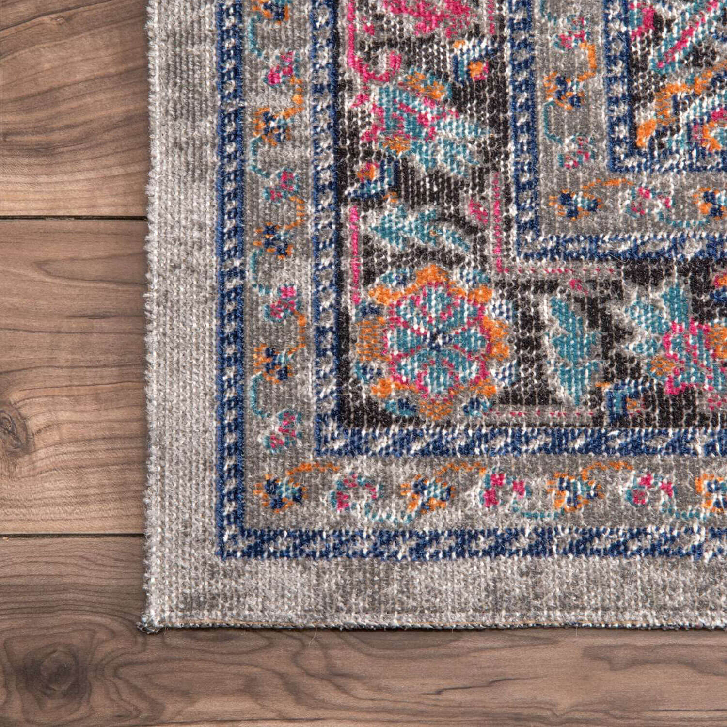 Grey Vintage Inspired Area Rug - 2' 8