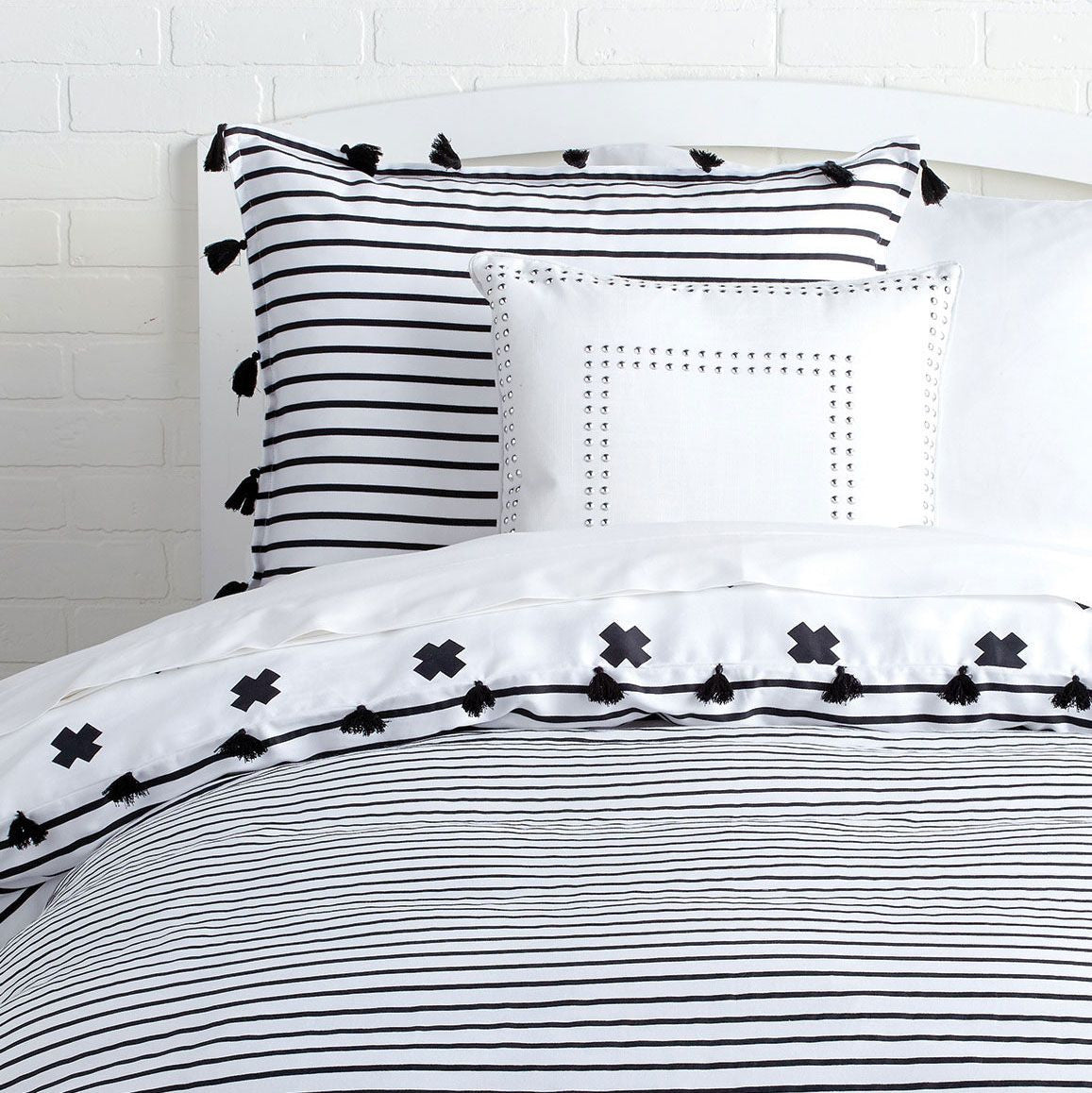 Black and white striped bed sheets - Signature Stripe Reversible Duvet Cover And Sham Set With Tassels