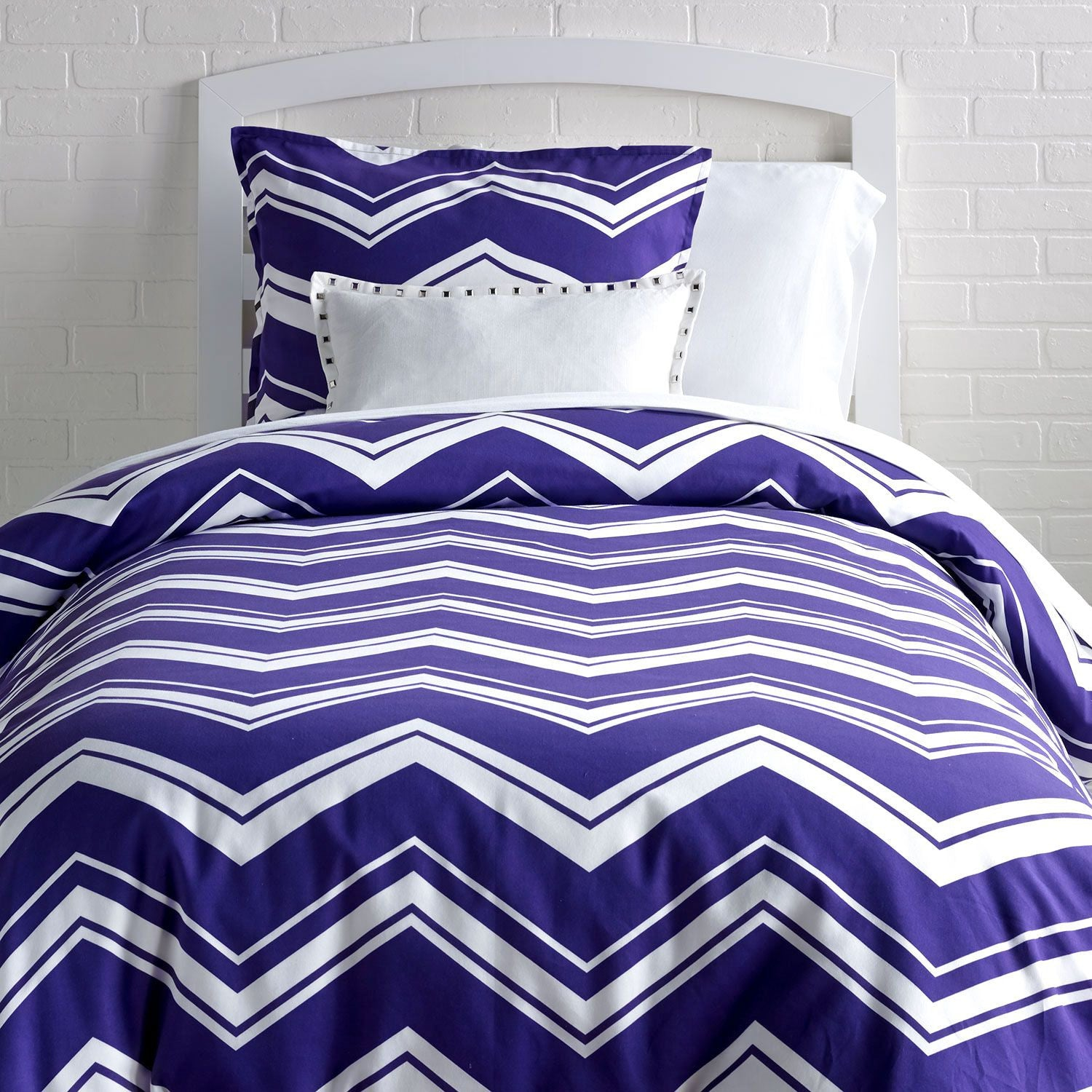 Striped Chevron Duvet Cover and Sham Set - Full/Queen