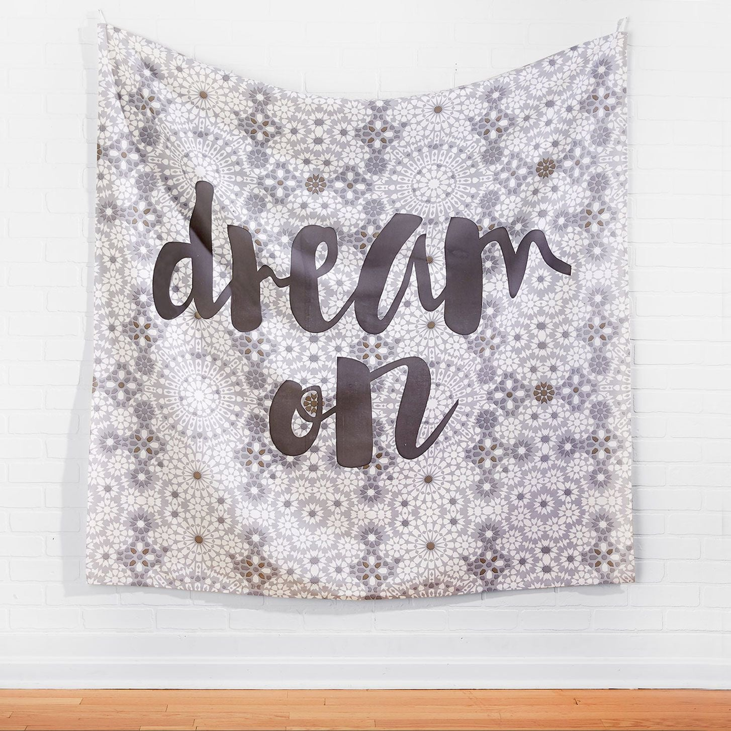 dream on tapestry | wall