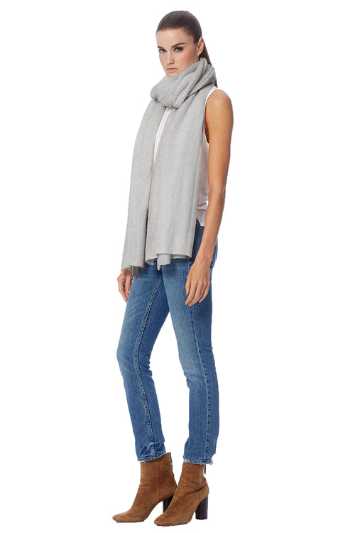 Linus Scarf in Light Heather Grey