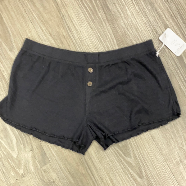 Textured Basic Short In Black