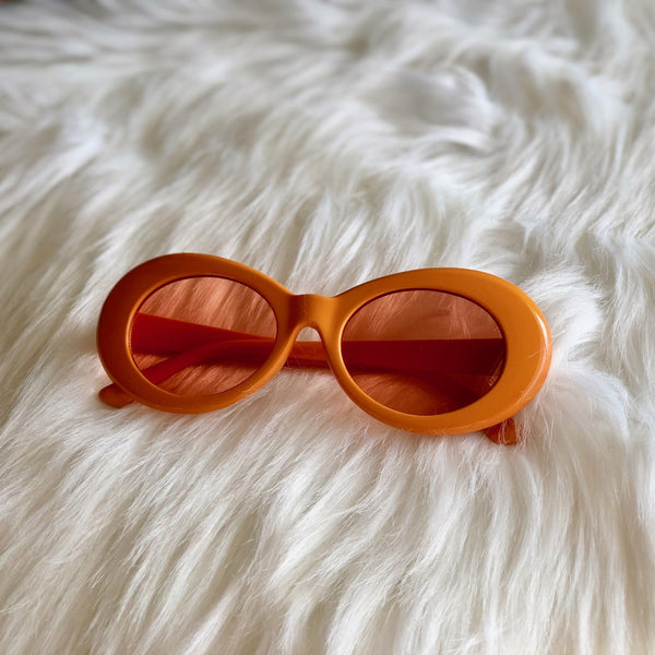 CLOUT (Orange/Red)