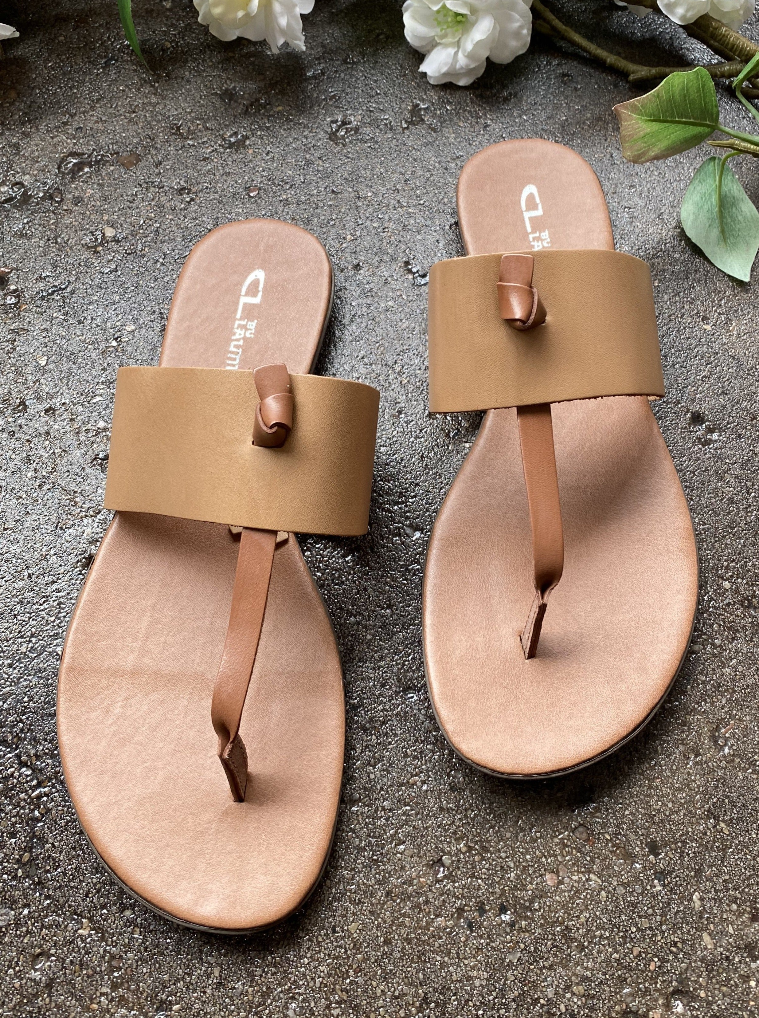 CHINESE LAUNDRY Admire Leather Sandal (Natural)